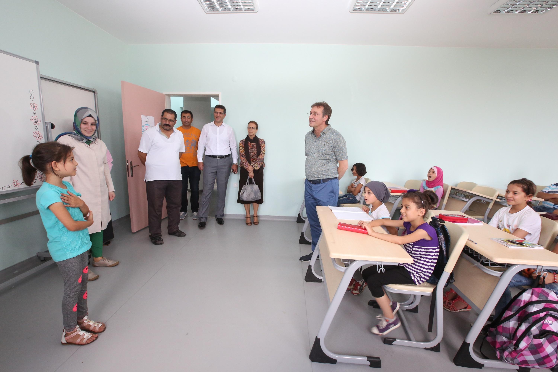 وزارة التعليم الوطني التركية تواصل تسهيل عملية تكيّف الأطفال السوريين مع نظام التعليم التركي
