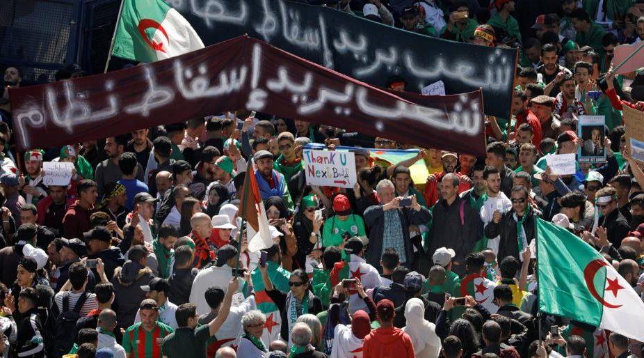 ما بين 2011 و2019.. هكذا تغيرت نظرة الثوار العرب لجيوشهم