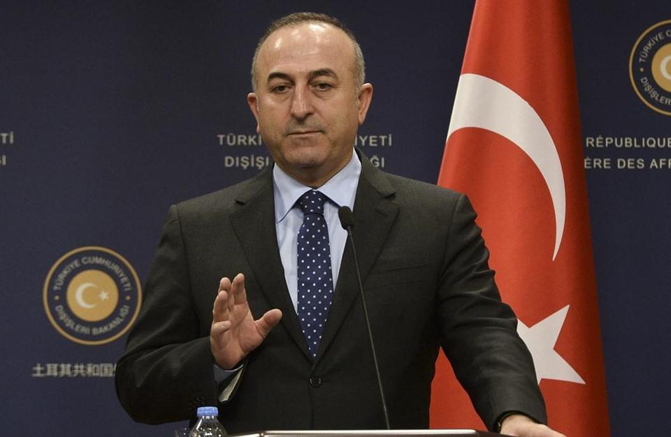 جاويش أوغلو ينفي منح الجنسية التركية للسوريين مقابل قتالهم بليبيا
