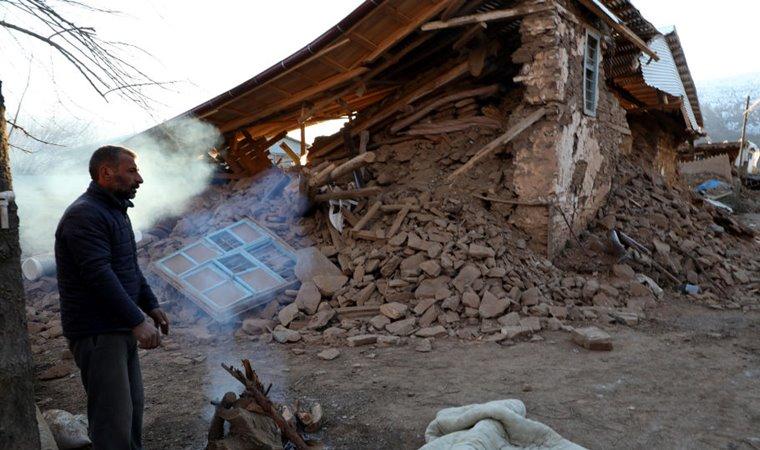 زلزال ايلازيغ يحيل قرية كاملة إلى أطلال