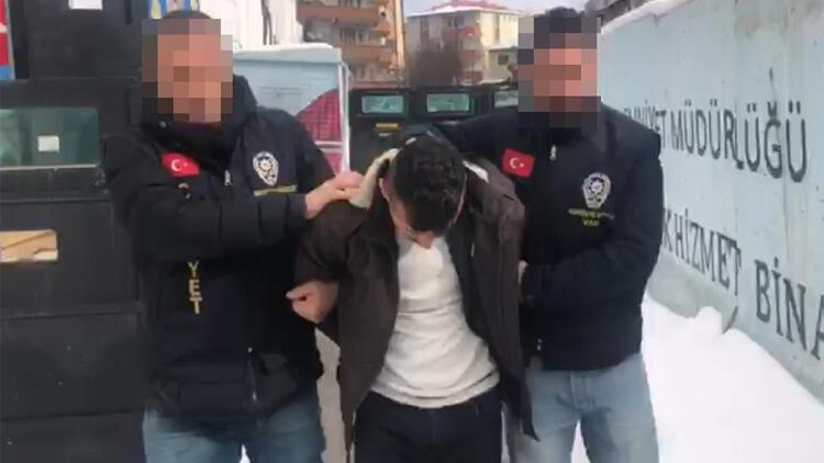 شاب تركي يقتل صديقه من أجل 150 ليرة!