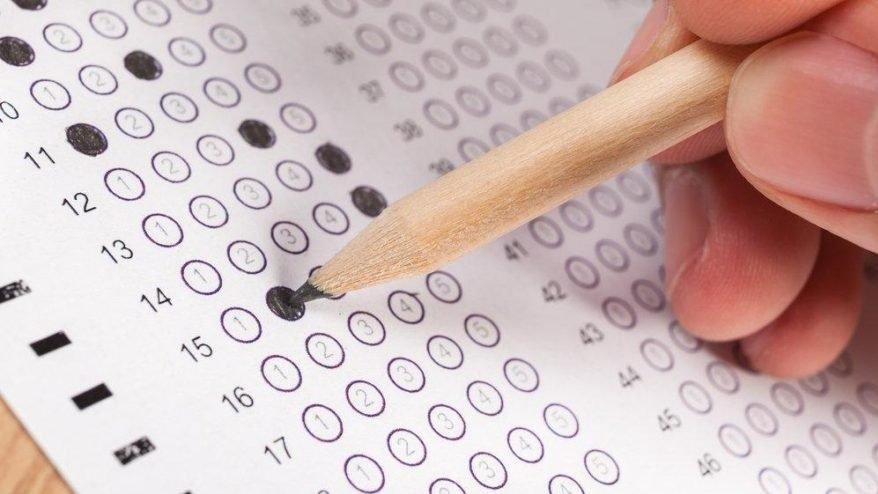 """والي عينتاب يوجه رسالة إلى الطلبة السوريين مع اقتراب امتحان """"LGS"""""""