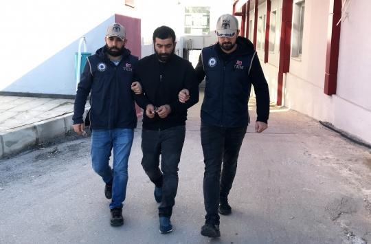 """تركيا.. """"السجن المنزلي"""" لشخص حاول إرسال طائرة إلى تنظيم """"القاعدة"""" في سوريا"""