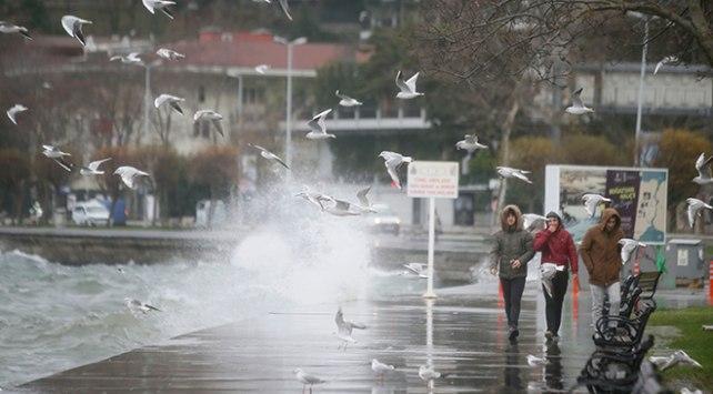 تركيا.. عاصفة إسطنبول تتسبب بخسائر مادية واسعة