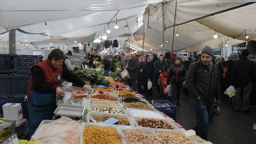 """أسواق الـ""""بازار"""".. فاكهة وأسماك وملابس بأقل الأسعار في إسطنبول"""