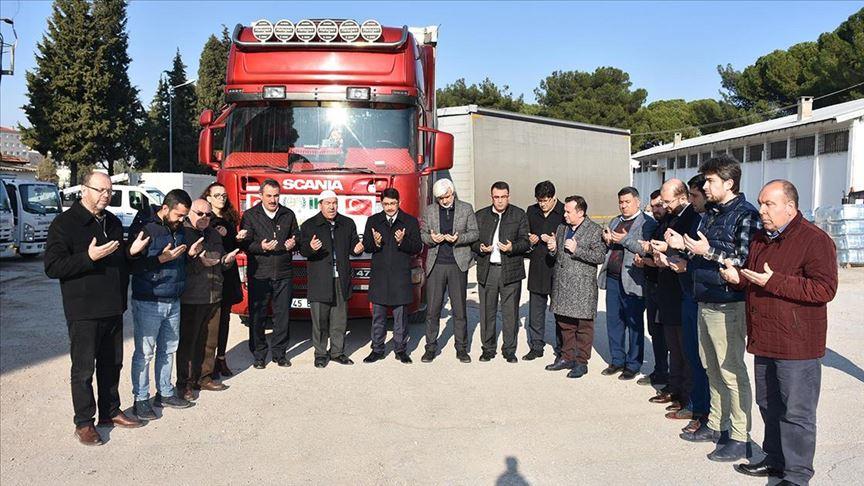 جمعيات تركية تواصل تقديم المساعدات الإنسانية لإدلب