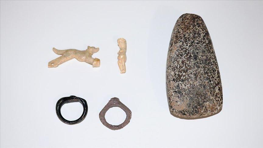 تركيا.. العثور على قلادتيْن من العظام تعودان لـ1600 عام