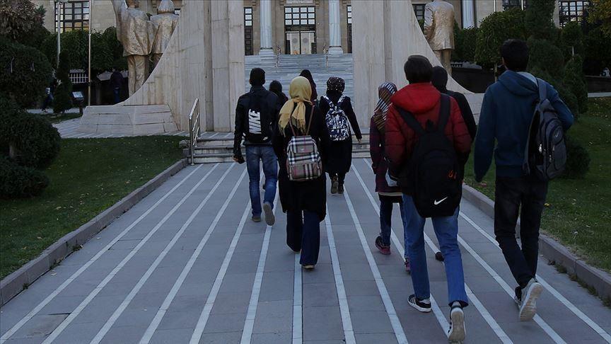 تحتضن 178 ألفا.. المنح التركية حلم الطلاب الأجانب