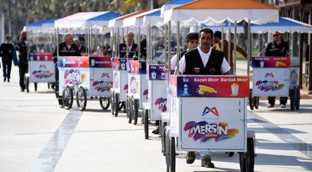 بلدية مرسين توحد لباس الباعة المتجولين تحت طائلة الضرائب