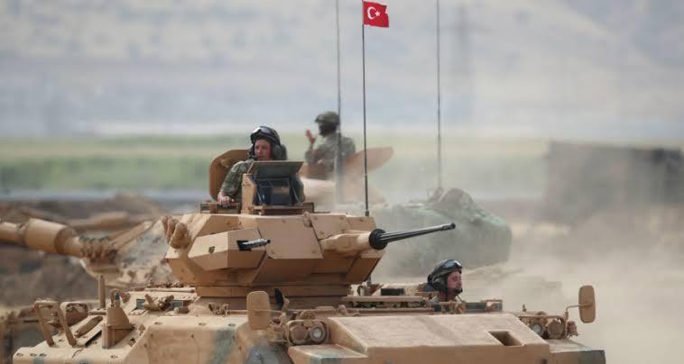صحيفة: الجيش التركي يستعد لمنع قوات الأسد من دخول سراقب