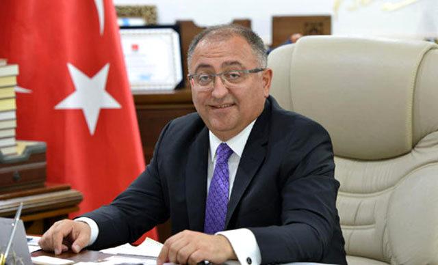 """""""الداخلية التركية"""" تعزل رئيس بلدية ولاية """"يلوفا"""" بتهمة الفساد"""