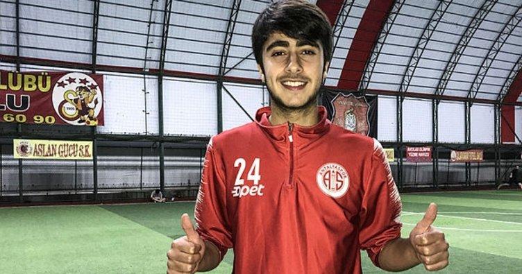 شاب سوري يخطف الأضواء في عالم كرة القدم التركية