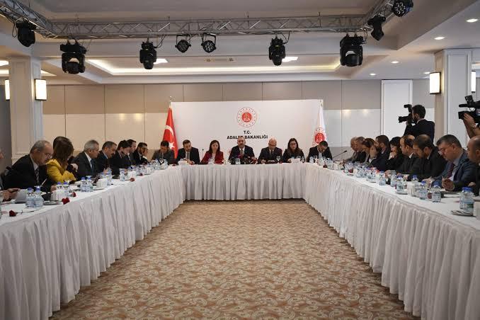 """وزارة العدل التركية تطلق نظام """"الدفع الآمن"""" لدى دوائر النوتر"""
