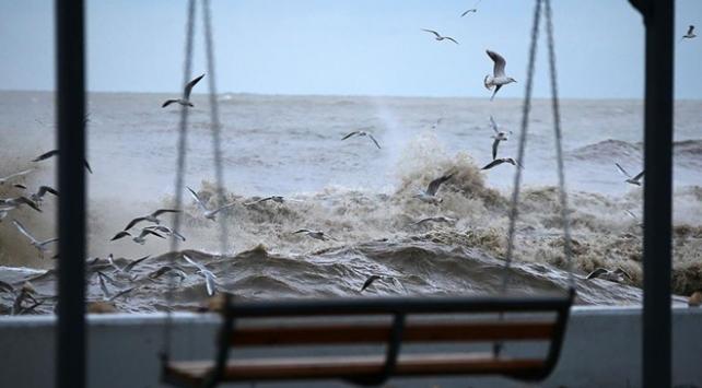 الأرصاد الجوية تحذر من عاصفة قوية ستضرب بحر إيجه
