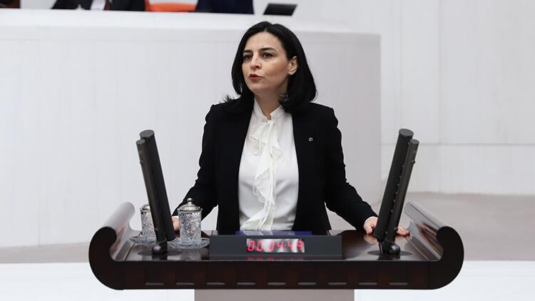 """مسؤولة تركية: التدخين يزيد من خطورة تأثير """"كورونا"""""""