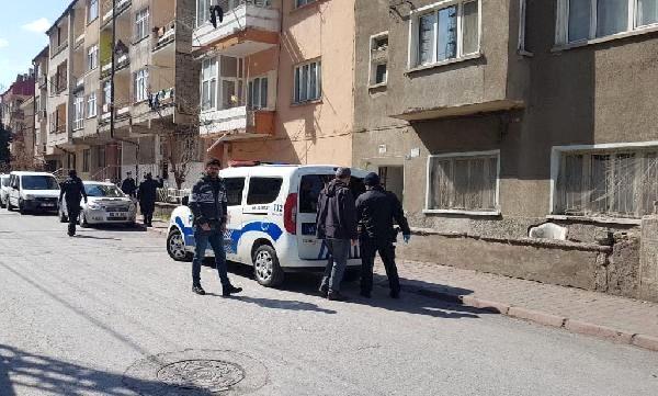 لاجئ سوري يتصدى لعصابة حاولت سرقة منزله في قيصري..وهذا ما حدث