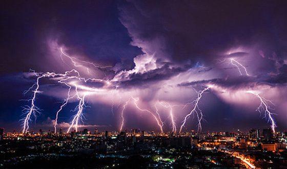تحذير من عواصف رعدية شديدة في 6 ولايات