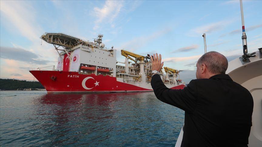 """أردوغان يشارك بمراسم انطلاق سفينة """"فاتح"""" للتنقيب بالبحر الأسود"""