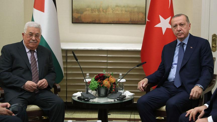 أردوغان يؤكد لعباس دعمه قرارات حماية القضية الفلسطينية