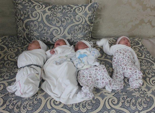 ولادة أربع توائم في الشهر السابع لعائلة تركية في شانلي أورفة