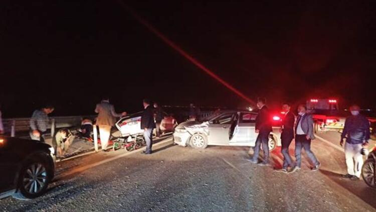 """موكب وزير """"النقل والبنية التحتية"""" يتعرض لحادث سير في ولاية قونيا"""