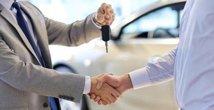 خبراء أتراك يتوقعون استمرار ارتفاع أسعار السيارات المستعملة.. متى تستقر؟