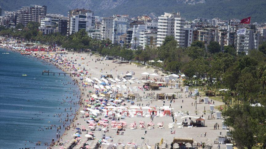 مسؤولة روسية: عشرات آلاف السياح في طريقهم إلى تركيا