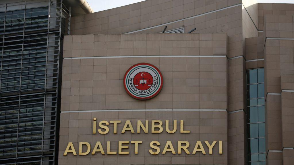 محكمة تركية تتخذ هذا الإجراء في قضية الاعتداء على شابة محجبة في إسطنبول العام الماضي