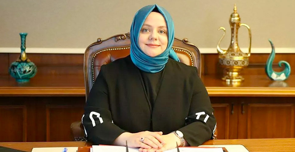 وزيرة تركية ترد على المعارضة: كافة المساعدات المقدمة للسوريين مموّلة من الاتحاد الأوروبي