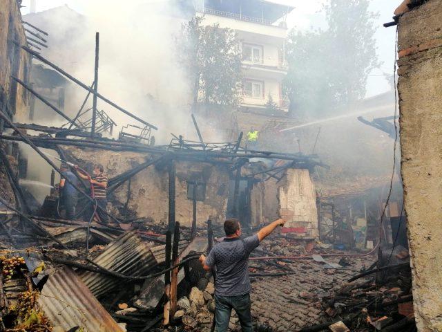 """حريق مأساوي معظم ضحاياه أطفال في ولاية """"جوروم"""" وسط تركيا"""