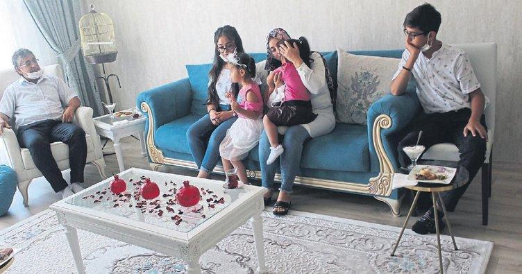 عائلة تركية تروي تجربة احتضان طفلتين سوريتين شقيقتين