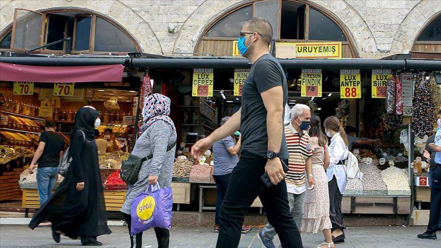 وزير الصحة التركي يعلن آخر بيانات كورونا ويعلق عليها