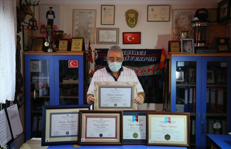 """""""الجد الخارق"""".. تركي ينال خمس شهادات جامعية"""