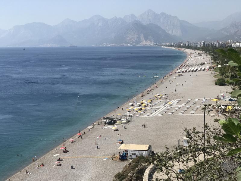 أنطاليا.. عدد السياح الأجانب يقترب من المليونين