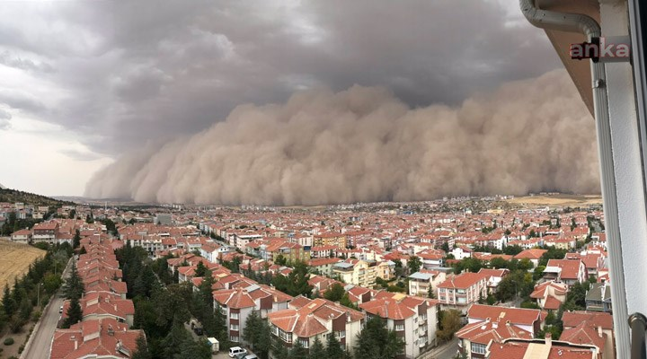 عاصفة ترابية شديدة تصيب 6 أشخاص في أنقرة (فيديو)