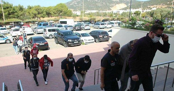 """إسطنبول.. اعتقال عصابة احتالت على آلاف المواطنين من خلال موقع تعارف """"مزيف"""""""