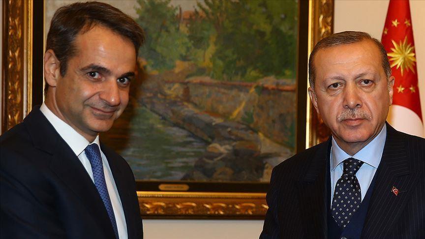 رغم الخلافات الشديدة بينهما.. اليونان تجري اتصالات مع تركيا تضامناً مع ضحايا زلزال إزمير