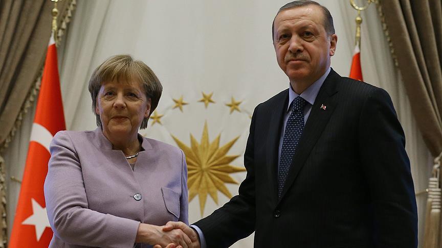 ميركل: للاتحاد مصلحة كبيرة في تطوير علاقة بناءة مع تركيا