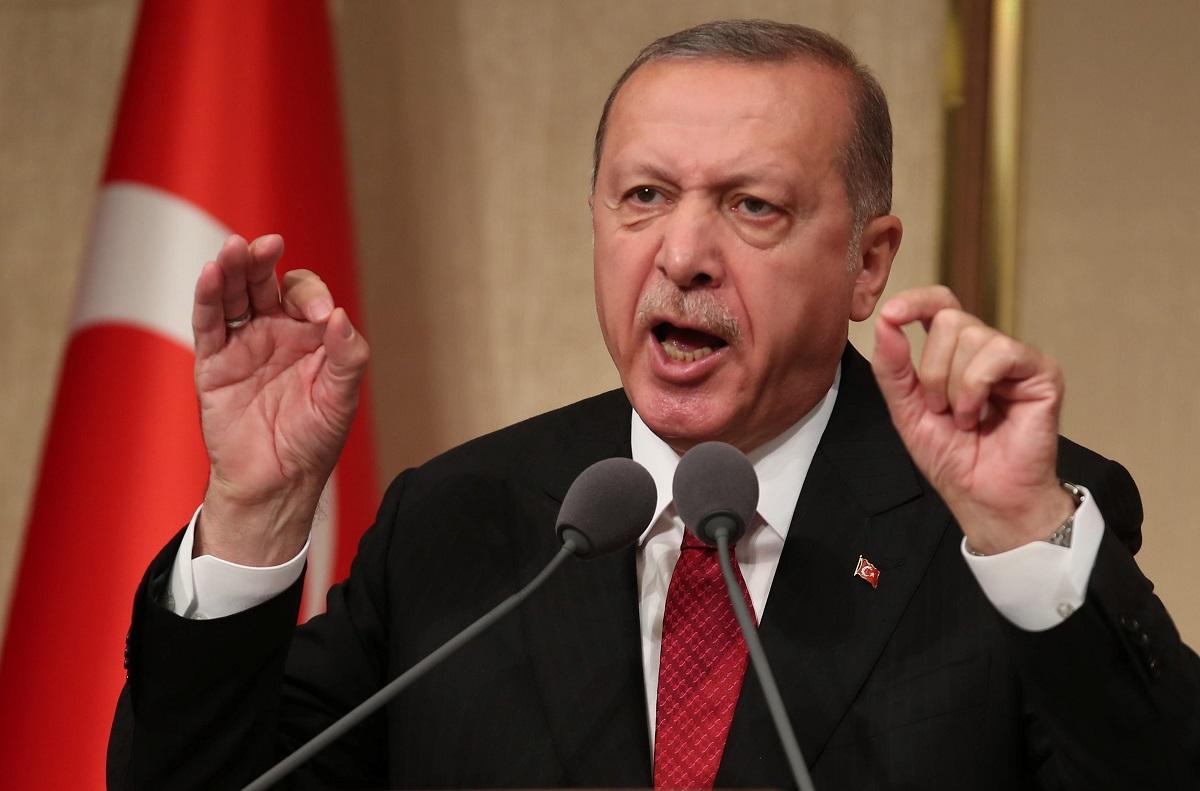 """أردوغان يشن الهجوم الأقوى ضد ماكرون: بحاجة """"لاختبار عقلي"""""""