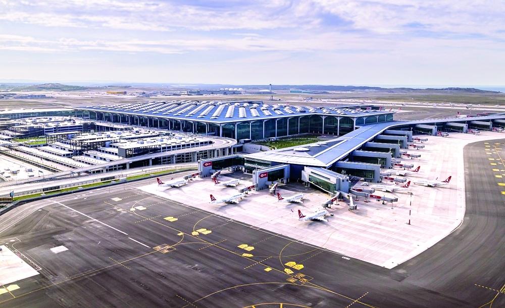 """مطار إسطنبول """"الأكثر رحلات"""" في أوروبا"""