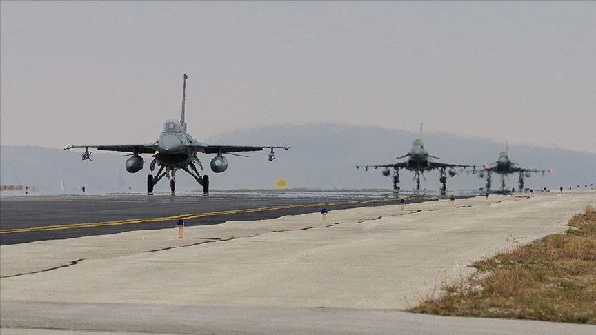 طائرات تركية وبريطانية تجري تدريبات في قونية