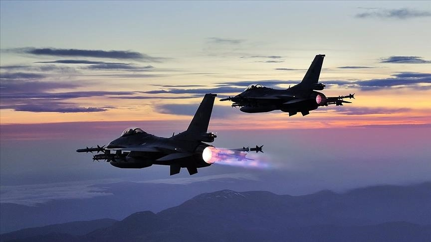 الدفاع التركية تعلن مقتل 11 مسلحًا بغارات شمال العراق