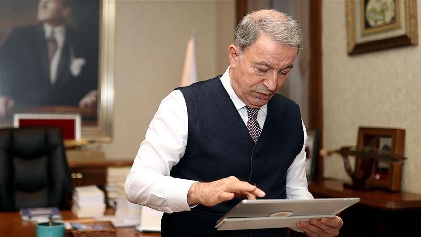 """وزير الدفاع التركي يشارك بالتصويت على """"صورة الأناضول 2020"""".. ماذا اختار؟"""