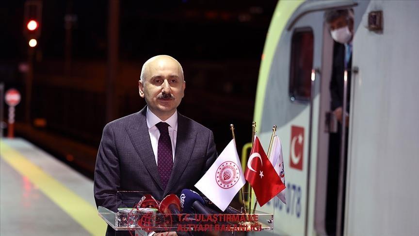 سيجتاز قارتين وبحرين و5 دول.. أول قطار تصدير يغادر تركيا في طريقه إلى الصين