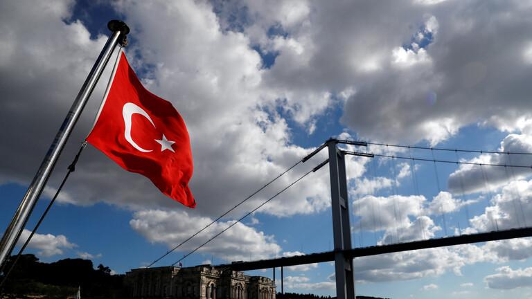 """وزير تركي: مسيرات """"بيرقدار"""" و""""العنقاء"""" ستحلق في الأجواء الأوروبية قريباً"""