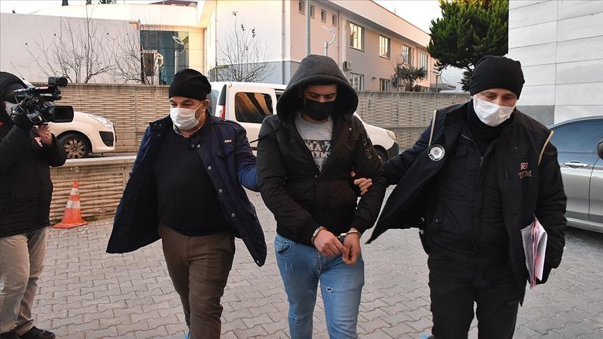 السلطات التركية توقف 4 سوريين و10 عراقيين