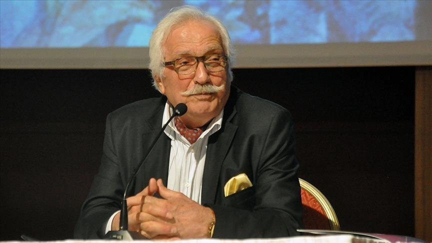 """وفاة المؤرخ والكاتب التركي """"نيازي برنجي"""" عن 76 عامًا"""