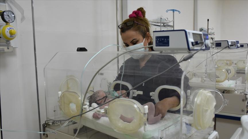 """تركيا تفتتح وحدة عناية مركزة لحديثي الولادة في """"نبع السلام"""""""