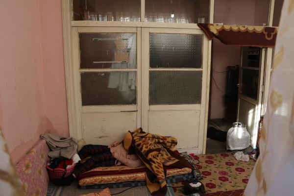 فاجعة تحل بعائلة سورية في أورفا.. وفاة الجد والجدة وحفيدتهم جراء موقد التدفئة ! (صور)