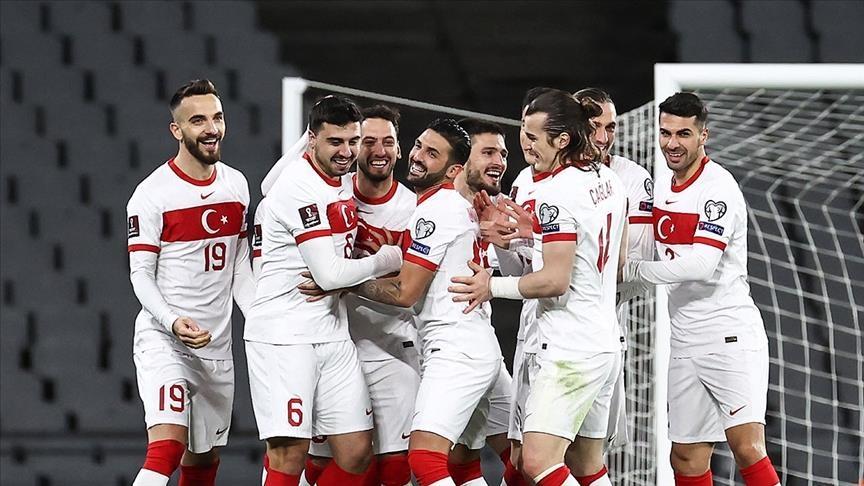 فقط 15 % من الجماهير التركية ستتابع مباراة تركيا ولاتفيا على أرض الملعب
